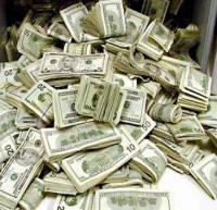 9600 دلار در شکم یک مرد