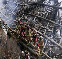 امید به زنده بودن 4 نفر در زیر آوار ساختمان پلاسکو قوت گرفت
