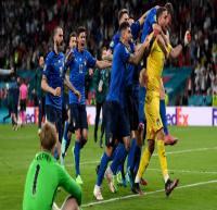 تیم های ملی فوتبال رکورددار شکست ناپذیری+عکس