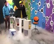 فیلم/ آزمایش علمی جالب در برنامه تلویزیونی