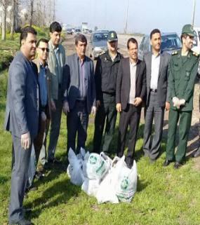 اجرای طرح پاکسازی معابر ورودی و خروجی شهرستان میاندورود