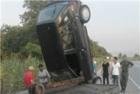 انحراف و واژگونی خودروی پراید در جاده گهرباران + تصاویر