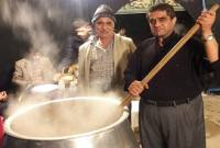 مراسم حلیم پزی در شهر سورک