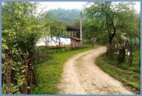 آسفالت جاده روستاهای بالادست تمام نشده در حال تخریب است