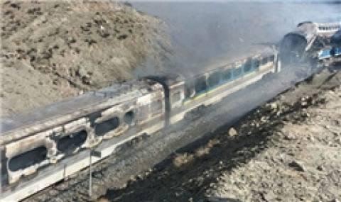 وزیر راه باید پاسخگوی خون کشتهشدگان حادثه ریلی اخیر باشد/ آخوندی با گریه قصور خود را لاپوشانی نکند