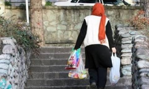 عامل اصلی مشکلات اجتماعی، غفلت از نقش کلیدی زن در خانواده/ «خانهداری» مقدسترین حرفه جهان