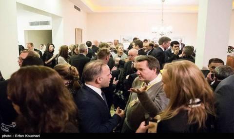 در خانه سفیر سوئد چه خبر بود؟/ مراسمی شبیه «کوکتل پارتی»!