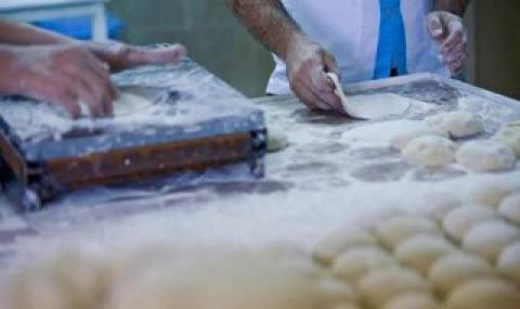 تولید آرد یارانهای از تهماندهها!/ مشکلات نان دست به دست میشود/عدم رقابت بین کارخانجات، آرد را انحصاری کرد