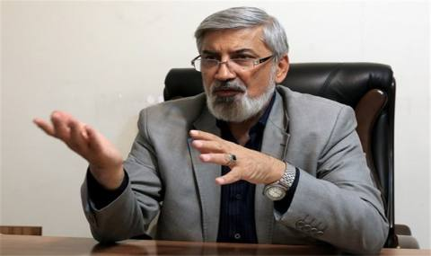 روحانی از همان سیاستهای دولت قبل که با آنها مخالفت میکرد استفاده میکند/ نارضایتی مردم از عدم موفقیت دولت در عرصه اقتصادی
