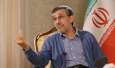اگر احمدی نژاد در حال ایفای نقش هم باشد باید بفهمد که امروز اقبال به مقاومت است و نه التماس برای مذاکره و سازش.