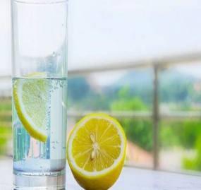 مزهدار کردن آب با لیمو ممنوع!